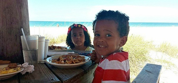Family Travel Tips to Create Meaningful Meals