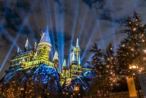 Universal Studios Hollywood: Christmas at Wizarding World of Harry Potter