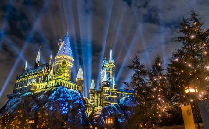 universal studios christmas harry potter world hollywood