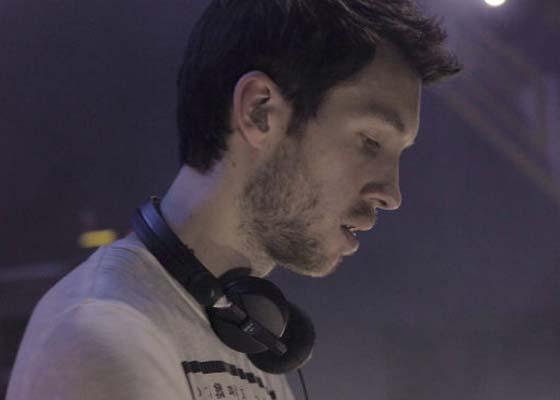 Calvin Harris Radio 1 Essential Mix 2011