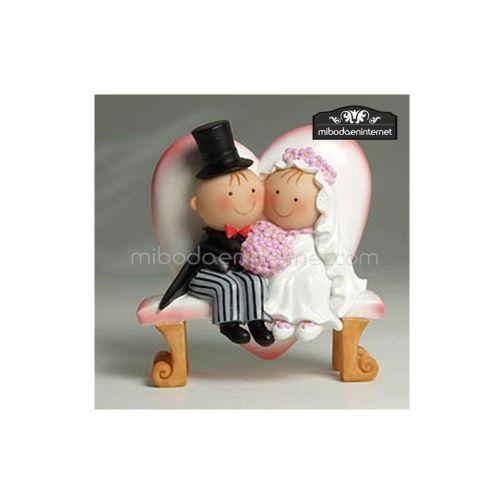 Figura Pastel Pit & Pita novios pastel banco corazon