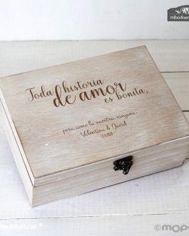 "Cofre madera ""Toda historia de amor…"""