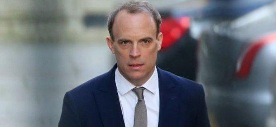 Δύο χωριστές επιστολές προς τον Βρετανό υπουργό Εξωτερικών Domonıc Raab για το Κυπριακό