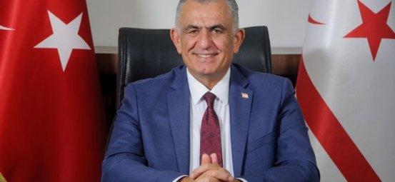 Ο υπουργός Çavuşoğlu δημοσίευσε ένα νέο μήνυμα έτους