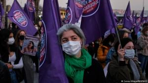 """""""Big Woman Meeting"""" στην Κωνσταντινούπολη"""