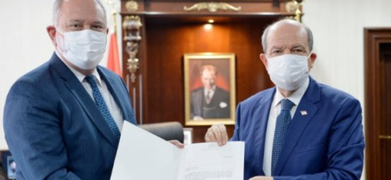 Πρόεδρος Τατάρ, ως πρόεδρος του YÖDAK Καθ.  Δρ.  Ο Turgay διόρισε τον Avcı