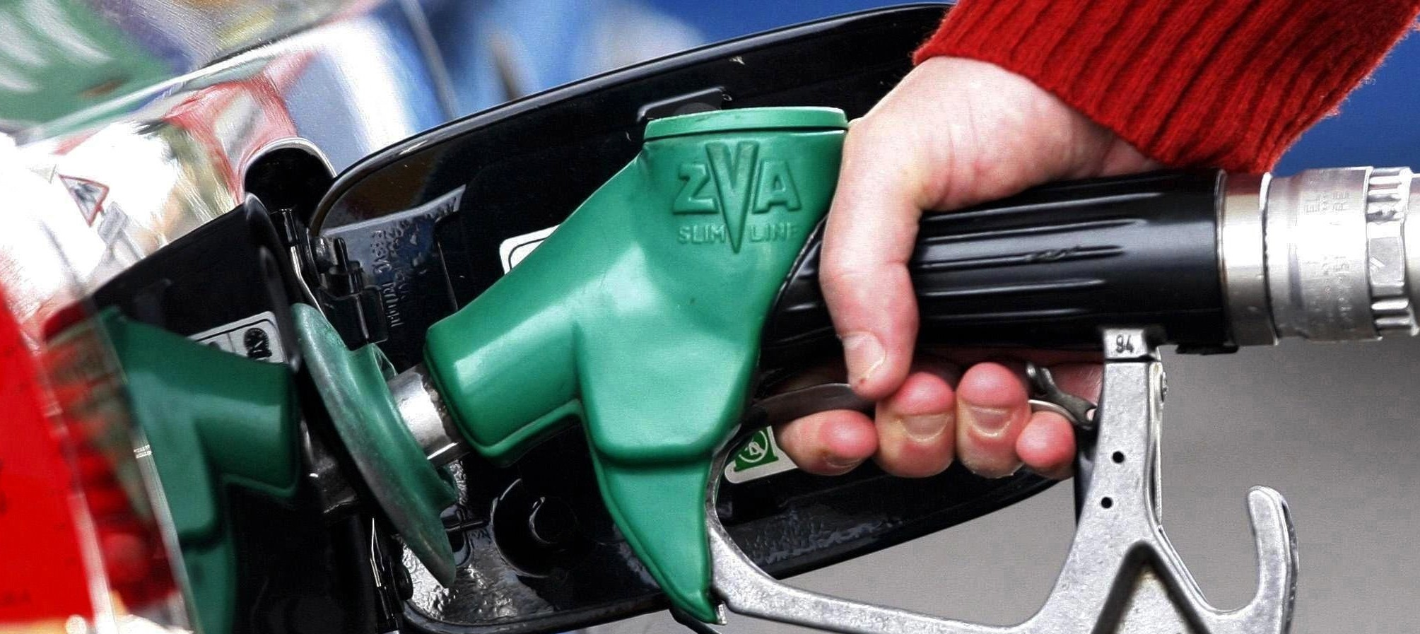 Cinco tips para que dure mucho más el combustible del auto