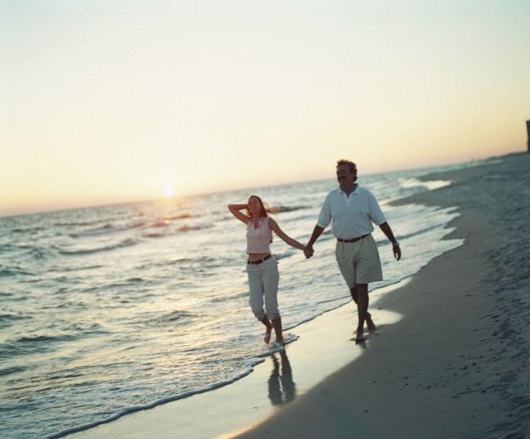 Caminar a la orilla del mar