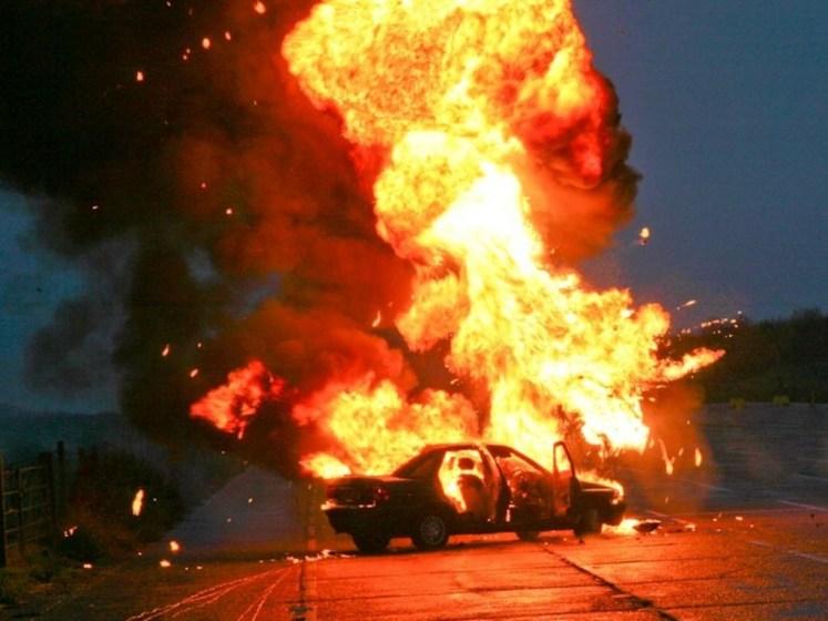 Explosión de vehículo