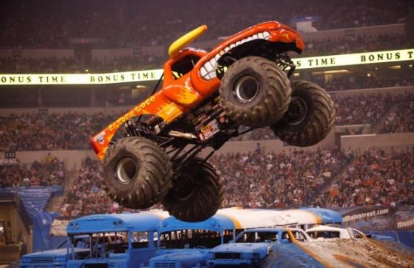 Advance Auto Parts Monster Jam Returns to Ford Field!