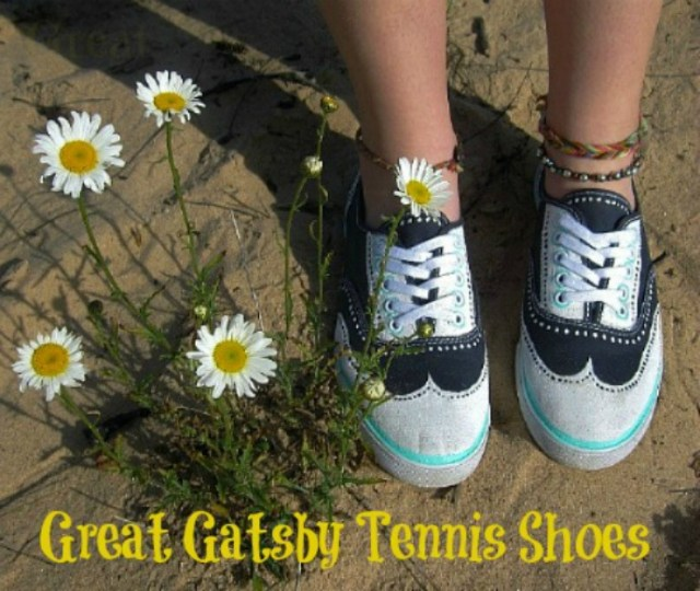 Hand Painted DIY Great Gatsby Tennis Shoes from DetroitMommie