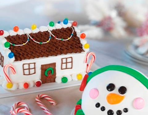 Holiday Ice Cream Cake Line-Up. **Giveaway** Baskin Robbins Gift Card