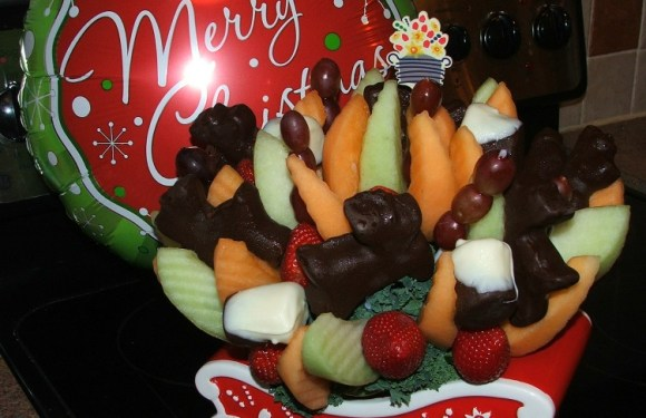 A Healthy and Fresh Alternative to Holiday Sweets.  **Giveaway** $35 Edible Arrangements™ Gift Card!