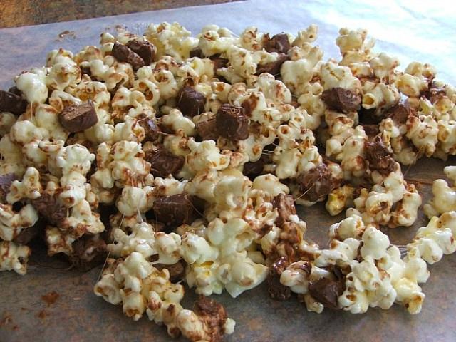 Chocolate   Popcorn Crunch