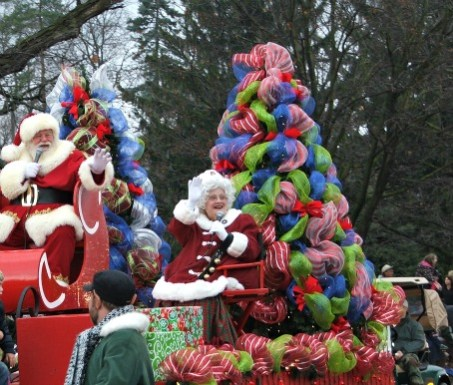 Metro Detroit 2014 Holiday Parade Round-Up