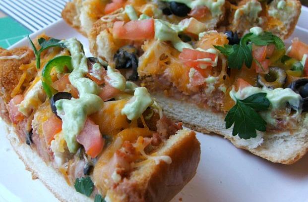 Chicken Taco French Bread Pizza #GameDayFavs