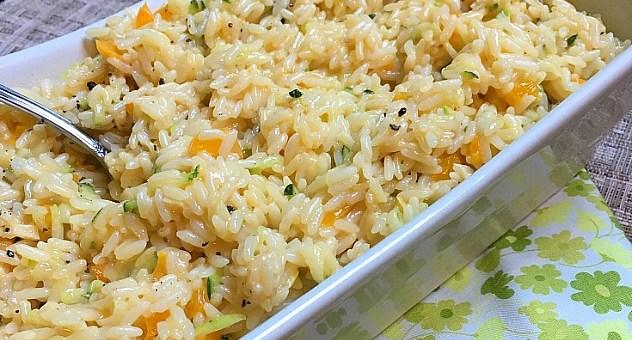 Cheesy Zucchini and Pepper Rice Recipe #BoostBackToSchool