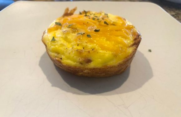 Hashbrown Cups with Egg and Cheese