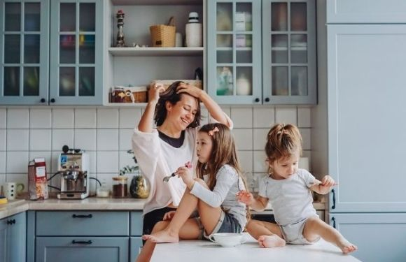 Easy Ways You Can Save Time When Cooking Family Dinners
