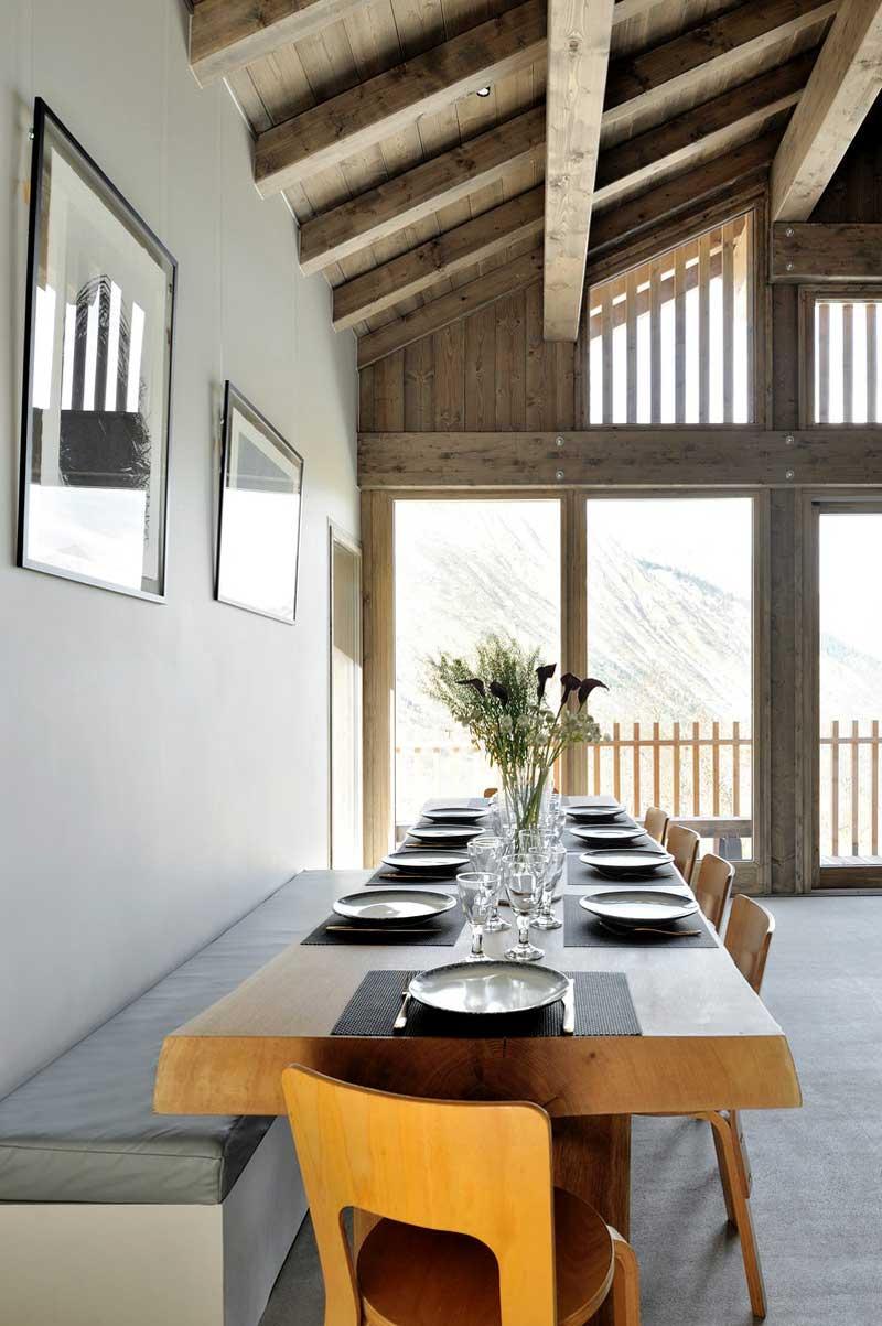 chalet Komani, tavolo da pranzo