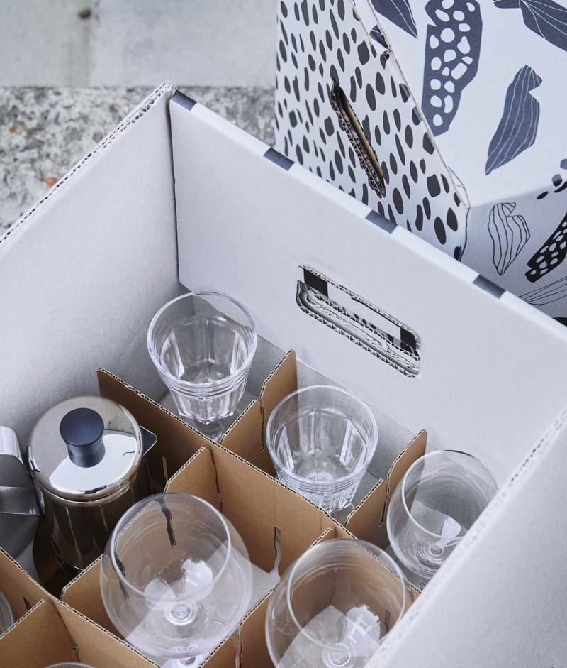 scatola cartone di IKEA per trasloco
