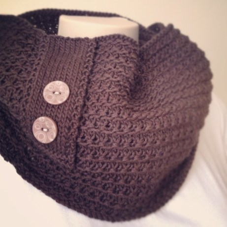 Knitting pattern: Chocolate Cowl