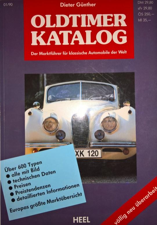 """Oldtimer KatalogEin Katalog aus dem Jahre 1990. Entsprechend sind die Illustrationen schwarz/weiss und der Einband ein bisschen ramponiert. Aber es macht Spass, die """"klassischen"""" Wagen von damals anzuschauen. Nicht alle haben es heute zum Oldtimerstatus geschafft."""