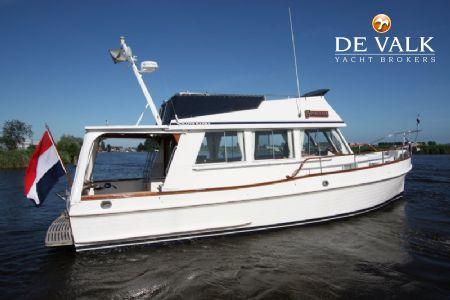 GRAND BANKS 36 SEDAN RIVIERA Motor Yacht For Sale De