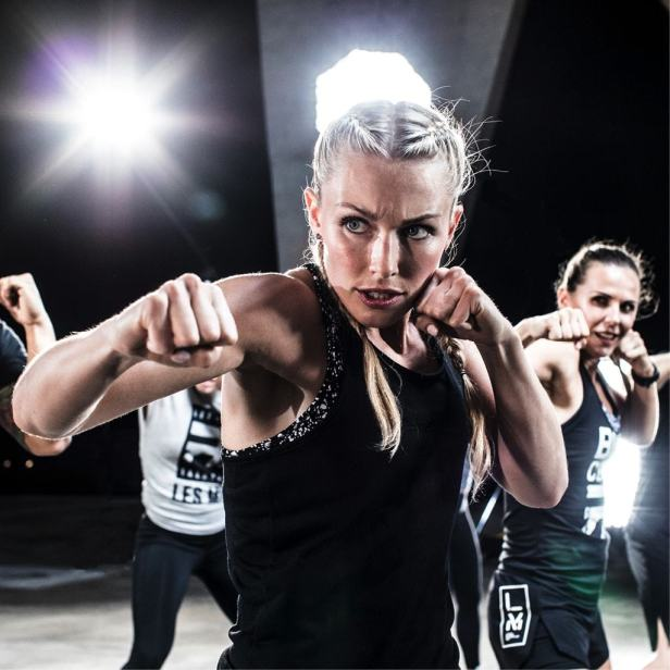 Find awesome suggestions for intense fat burning workouts in this article. Develop your own weight loss exercise plan at home with these ideas. #workouts #weightloss #exercise #healthylife #healthier #fitness #wellness #longevity #healthyhabits