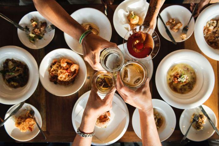 makanan dan minuman dapat mempengaruhi mood kita.
