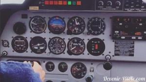tableau de bord DR400 pendant un PTU (prise de terrain en U)