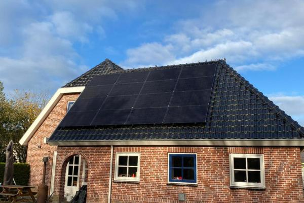 Zonnepanelen-installatie-november-2020-Visser-Surhuisterveen