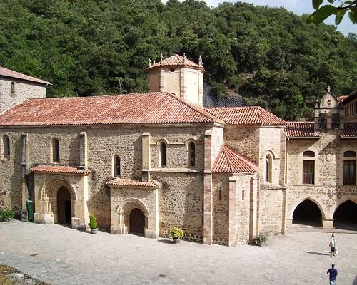 Monasterio de Santo Toribio de Liébana, lugar de peregrinaje