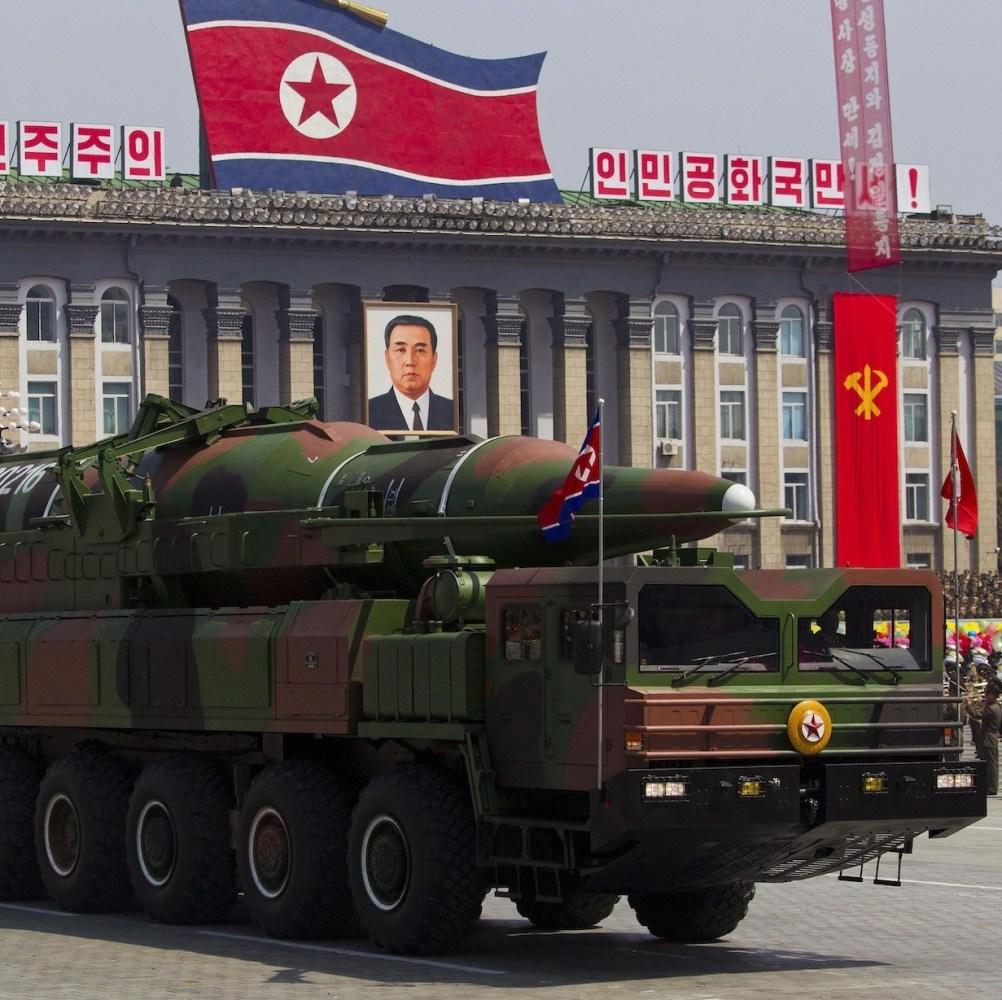 Coreia do Norte anuncia lançamento de satélite, EUA entende, I kill you!!!