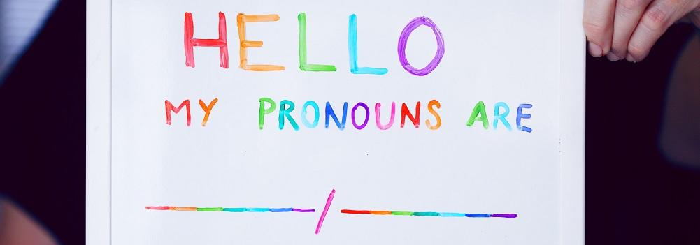 """Eu, eu mesma e o """"pride month""""."""