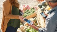 square's New Contactless Card Reader helps Apple Pay