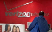 Verizon takes aim at its unlimited data plan customers once more