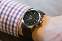 Android Wear 2.0 Gets Good Marks From Reviewers