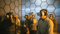 How Facebook is connecting its 2D social network with the VR version