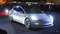 Tesla opens Model 3 order process to non-employees