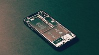 Apple Throttling Woes: Blame Small Batteries, Not Planned Obsolescence