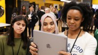 Apple Should Have Cut iPad Price Further For Schools, Say Analysts