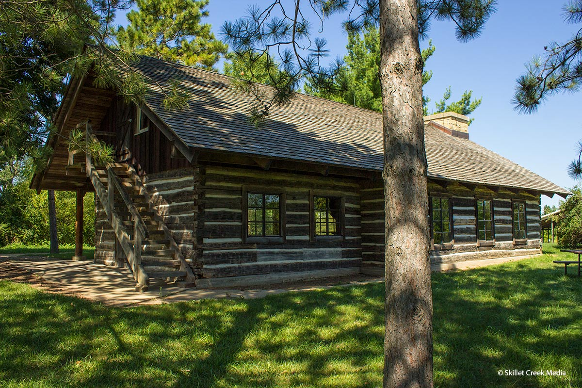 Cottages, Cabins, Vacation Homes & Condos   Devil's Lake State ...