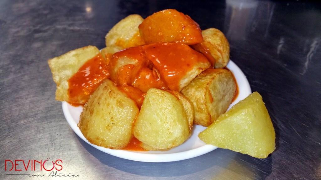 Patatas bravas en Docamar. Fuente: Vanessa Martiny para Devinos con Alicia