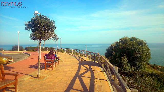 Vista desde uno de los miradores de Beniccàsim. Fuente: Devinos con Alicia