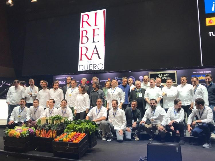 Fotografía de familia en la inauguración oficial Reale Madrid Fusión 2018. Copyright: www.devinosconalicia.com
