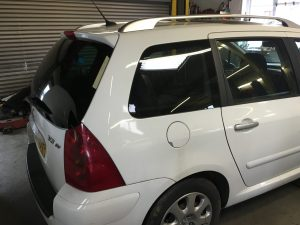 Peugeot 307 Loose Rear Window