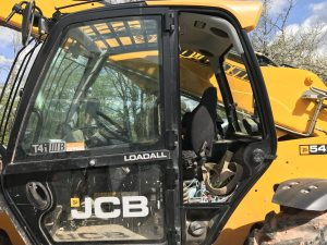 JCB 540-140 Broken Window