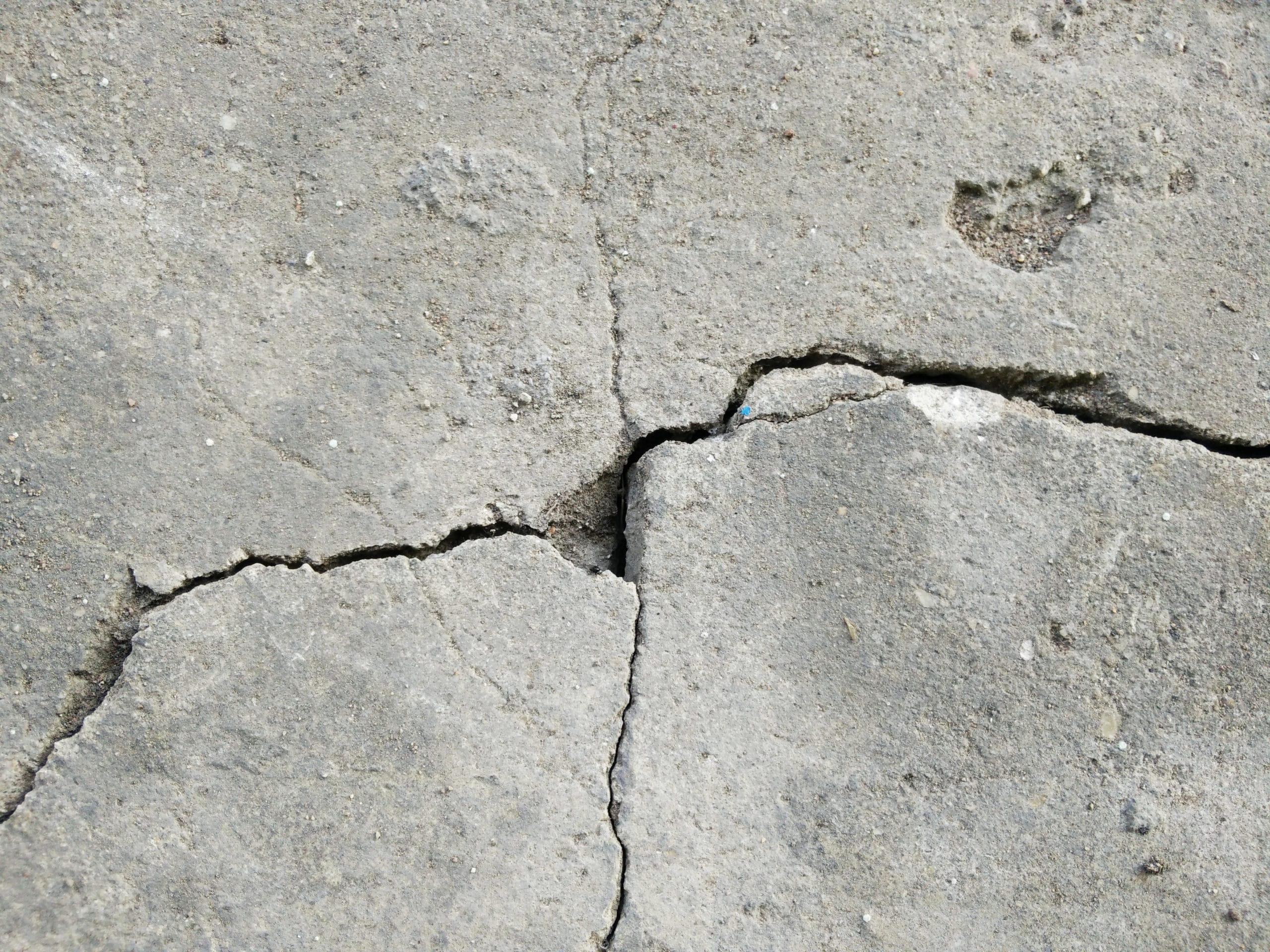 how to repair cracks in poured concrete