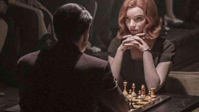 gambito dama, estrategia